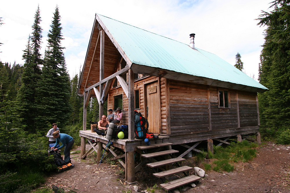 Keith S Hut Complete Mountaineering With The Canada West